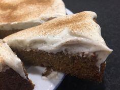 Morotskaka utan vitt mjöl och socker | Made By Rebecka Healthy Baking, Healthy Snacks, Fika, Lchf, Paleo Recipes, Food And Drink, Sweets, Meals, Vegan