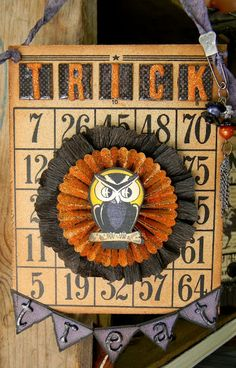 The bingo card in the background looks like something that manufactures. I like how the banner at the bottom matches the ribbon used at the top. Halloween Bingo, Halloween Paper Crafts, Halloween Banner, Halloween Projects, Holidays Halloween, Spooky Halloween, Vintage Halloween, Happy Halloween, Halloween Decorations