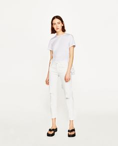 ZARA - WOMAN - RIPPED MID-RISE JEANS