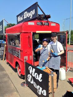 Engine Hotdogs is a London-based street food vendor serving up gourmet hotdogs from a vintage 1959 fire engine. To find out more about them visit CookoutChef.com #cookoutchef