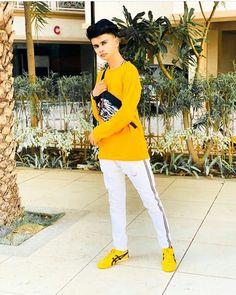 Cute Boy Photo, Studio Background Images, Teen Celebrities, Boys Dpz, Boy Photos, Favorite Person, New Pictures, Fashion Details, Cute Boys