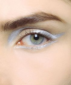 Best Eye Makeup for Blue Green Eyes and Fair Skin: Style Guide - Beauty Makeup Inspo, Makeup Art, Makeup Inspiration, Hair Makeup, Make Up Looks, Beauty Make-up, Hair Beauty, Make Carnaval, Smoky Eyes