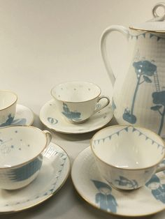 Fidell sundqvist | CUPMANIA | CUPS and SAUCERS | leuketafel | TABLEstyling | pinned by http://www.cupkes.com/