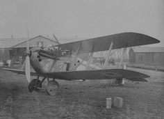 Sopwith Dophin - a fine if unusual 'back staggered' 1918 fighter aircraft, but it used a French Hispano Suiza engine already in heavy demand for the SPAD XIII: only 4 Squadrons were ever equipped with it.