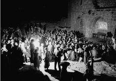 nowinexile: Hebron residents gather to watch a silent movie screening. 1938, Palestine.