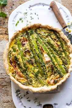 This Asparagus Brie Quiche is savory with the slightest touch of sweet and blended with deliciously buttery brie cheese. Can be made completely in advance making it perfect for springtime entertaining. Quiche Recipes, Brunch Recipes, Dinner Recipes, Breakfast Recipes, Vegetarian Recipes, Cooking Recipes, Healthy Recipes, Cooking Tips, Café Chocolate