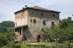 Casa Torre Dorrea de Irurita. Valle del Baztan. Navarra © Iñaki Caperochipi Photography #navarra #baztan