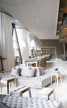 Best Place to find hotel lobby design Hotel Lounge, Lounge Decor, Lounge Seating, Lobby Lounge, Decoration Restaurant, Hotel Decor, Restaurant Design, Luxury Restaurant, Restaurant Lighting