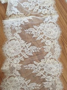 3 Yards Ivory Alencon Lace Trim for Wedding Veils by lacetime