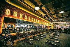 Everlast Fitness Club Gym Design Mirrors Lighting Signage Free Weights - Gym - Home Gym Home Gym Garage, Basement Gym, At Home Gym, Studio Fitness, Academia Completa, Sport Studio, Dream Gym, Gym Lighting, Gym Club