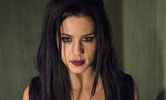 Arrow: Felicity Gótica em Novo Comercial de TV on MonsterBrain http://www.monsterbrain.com.br