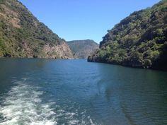 Navegando el río #Sil en catamarán #RibeiraSacra #Ourense #Lugo #Spain by @ildarac via Twitter