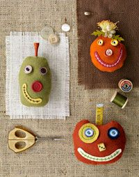 Silly Pumpkin Pincushions DIY from All People Quilt. #Halloween #sewing