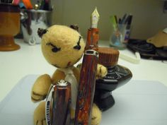 The spectacular Visconti Divina Desert Springs - and an angry little animal. From the Fountain Pen Network