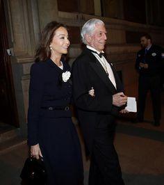 Madrid, 27 mar (EFE).- A sus casi 80 años Mario Vargas Llosa sorprendió hace unos meses con la separación de su mujer -y prima- Patricia tras 50 años de matrimonio, para unirse a Isabel Preysler. Pero no fue su primer escándalo amoroso. En 1955 se había casado, siendo menor, con su tía política Julia