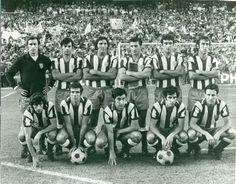 ATLETICO DE MADRID,temporada 1971/72  De pie. Rodri, M.Jayo, Ovejero, Calleja, Iglesia, Adelardo.   Agachados: Ufarte, Luis, Garate, Irureta, Salcedo.