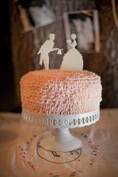 Elegantes figuras para pastel de bodas.