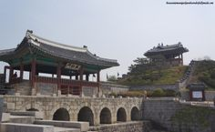 Hwahongmun Gate (화홍문), part of the Hwaseong Fortress [UNESCO World Heritage] (수원 화성 [유네스코 세계문화유산])  – Suwon 수원, South Korea.