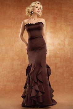 Scalloped-edge neck trumpet / mermaid style satin bridesmaid dress
