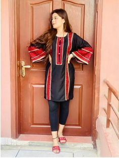 Baby Girl Dress Design, Fancy Dress Design, Lace Design, Kids Party Wear Dresses, Designer Party Wear Dresses, Beautiful Dress Designs, Stylish Dress Designs, Simple Pakistani Dresses, Pakistani Dress Design