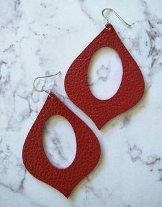 Leather Earrings Genie shape in Racy red print.