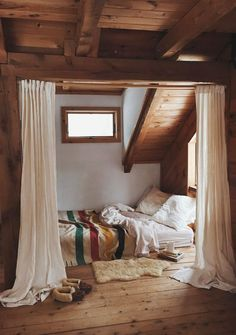 Cabin / attic bedroom