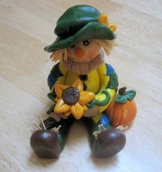 I'm going to make my own Scarecrow bride and groom cake topper