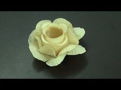 """Forminha para Doces - Tela Escócia """"LÍRIO REAL"""" (passo a passo) - YouTube Cupcake Youtube, Candy Wrappers, Gum Paste, Craft Gifts, Paper Flowers, Paper Crafts, Rose, Wedding, Asa Delta"""