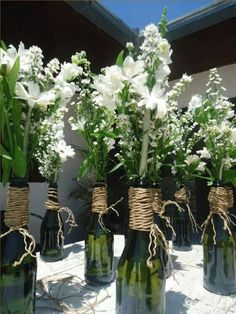 A simple bottle can become the most Beautiful Decoration! - A simple bottle can become the most Beautiful Decoration! Wine Bottle Centerpieces, Christmas Centerpieces, Flower Centerpieces, Wedding Centerpieces, Wedding Table, Diy Wedding, Wedding Decorations, Table Decorations, Centerpiece Ideas