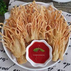 Resep makanan ringan unik Instagram Brunch Recipes, Snack Recipes, Cooking Recipes, Snacks, Tastemade Recipes, Indonesian Desserts, Indonesian Recipes, Asian Street Food, Dinner Rolls Recipe