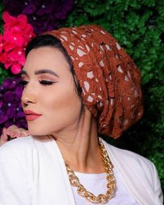 Simple one piece turban. The turbans are designed to be worn easily- theres absolutely no tying or closing involved. Just put a turban on and go! Headbands For Women, Hats For Women, Headdress, Headpiece, Turban Headbands, Turbans, Muslim Women, Curves, Bridal