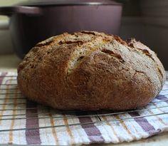 No-knead rye bread. No Knead Rye Bread Recipe, German Rye Bread Recipe, Rye Bread Recipes, German Bread, Artisan Bread Recipes, Dutch Oven Recipes, Baking Recipes, Holiday Bread, Easy Bread