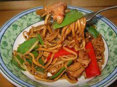 Chicken Satay Chow Mein