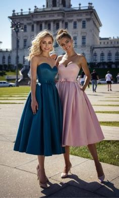 Look at other great ideas about Gorgeous clothes, Leap summertime design and style and Black robes. Satin Cocktail Dress, Short Cocktail Dress, Cocktail Dresses, Short Bridesmaid Dresses, Homecoming Dresses, Wedding Dresses, Formal Gowns, Strapless Dress Formal, Formal Wear