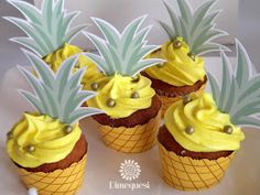 Pineapple cupcakes at a tropical flamingo birthday party! See more party ideas… Aloha Party, Tiki Party, Luau Party, Beach Party, Flamingo Party, Flamingo Birthday, Flamingo Cupcakes, Pineapple Cupcakes, Hawaiian Cupcakes