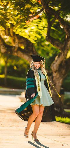 Nursing Graduation Pictures, College Graduation Pictures, Graduation Picture Poses, Graduation Portraits, Graduation Photography, Graduation Photoshoot, Grad Pics, Nursing Graduation Caps, Graduation Pose