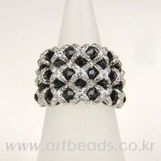 black and silver ring tutorial