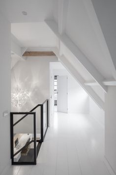 Urban Industrial Decor Tips From The Pros Have you been thinking about making changes to your home? Are you looking at hiring an interior designer to help you? Attic Rooms, Attic Spaces, Room Inspiration, Interior Inspiration, Attic Renovation, New Homes, Interior Design, House Styles, Home Decor