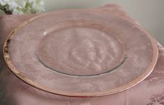 Charger Plates are the perfect finishing touch to your table setting. We have just brought in a classic Rose Gold Rim Charger Plate, a timeless piece for your tableware. This is also available in Gold.