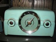 Love the color. Kitchen table style radio.