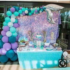 Otra bella idea de fiesta es the mermaid tail o cola de sirena 🧜🏻♀️🐚🌊 queda súper hermoso por los colores o puede ser parte de la…