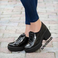 Siyah Rugan Spor Ayakkabı