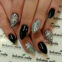 Nail art black filigree stiletto nails
