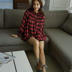 WILLOW SLEEVES   . . . . #koreanfashion #koreanshirt #beauty #glamour #gorgeous #beagorgeoushera Korean Shirts, Short Sleeve Dresses, Dresses With Sleeves, Korean Fashion, Blouses, Glamour, Beauty, Gowns With Sleeves, Beleza