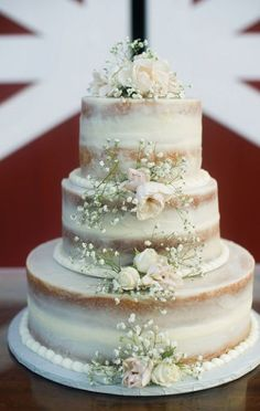 adorable white naked wedding cakes with vintage details