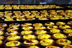 Eis a receita do Pastel de Belém, doce mais famoso da capital portuguesa: guardar em segredo seus ingredientes e o modo de preparo por mais de 170 anos.Vej...
