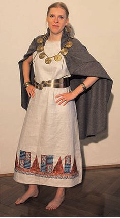 Europe, 1600-1350 B.C. (Carpathian variant); from GRÖMER K., RÖSEL-MAUTENDORFER H., BENDER JØRGENSEN L., Visions of Dress: Recreating Bronze Age Clothing from the Danubian Region, 2013