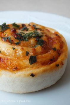 Przyjemność z pieczenia: Pizza zawijana - ślimaczki Quiche, Camembert Cheese, Pizza, Eat, Breakfast, Food, Meal, Essen, Quiches