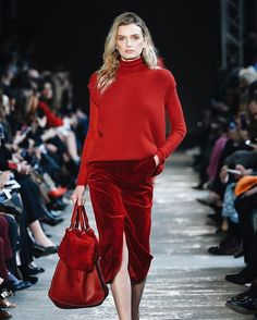 Max Mara seals it red is becoming a thing this #AW17 season. We like it best in a tonal mix of textures as shown brilliantly here. (: @pietro_daprano/@gettyentertainment) #MFW #MaxMara  via ELLE UK MAGAZINE OFFICIAL INSTAGRAM - British Fashion Campaigns  Haute Couture  Advertising  Editorial Photography  Magazine Cover Designs  Supermodels  Runway Models
