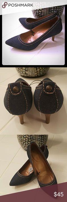 ✅Calvin Klein Denim Kitten Heels Comfortable Calvin Klein Denim Kitten Heels. The heel is approximately 1.5 inches Calvin Klein Shoes Heels